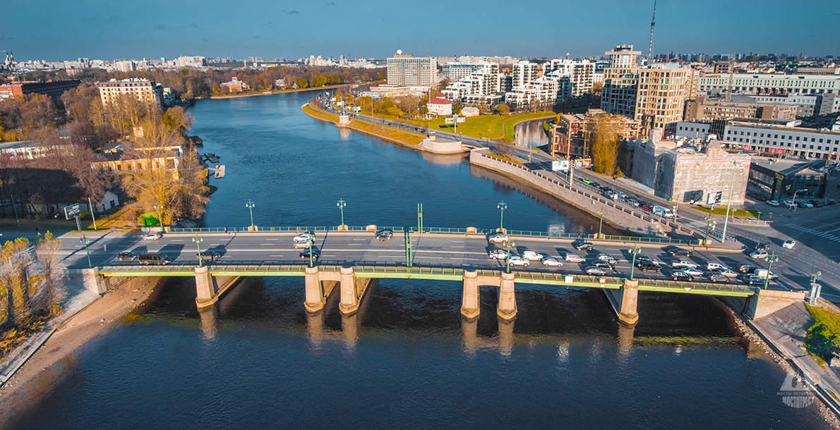 Bolshoy Krestovsky Bridge